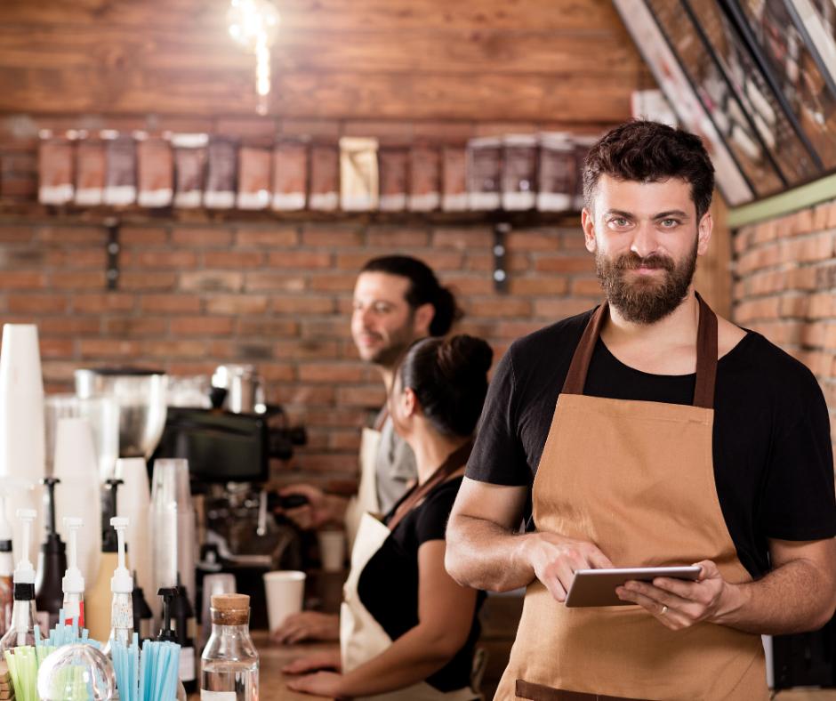 Este trabajador autónomo es el que tiene un negocio a su nombre, puede poseer empleados que pueden gestionar su negocio por el.